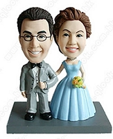 Arm And Arm 2 (Bride And Groom) Personalized Bobble Head | Gift ideas for weddings
