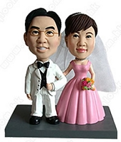 Arm And Arm 3 (Bride And Groom) Personalized Bobble Head | Gift ideas for weddings