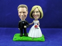 Wedding Couple Arm In Arm Custom Bobble Head | Gift ideas for weddings