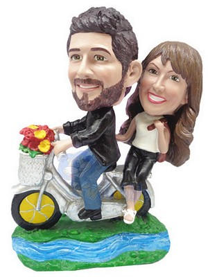 Riding a tandem bicycle couple custom bobblehead doll