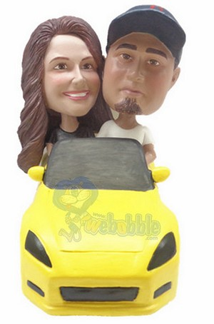 couple in sporty car custom bobblehead doll 2