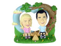 Love Couple Custom Bobble Head | Gift Ideas
