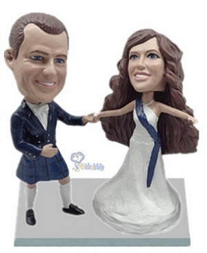 Happy couple custom bobblehead doll 4
