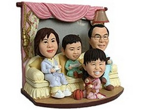 Family of 4 custom bobblehead doll